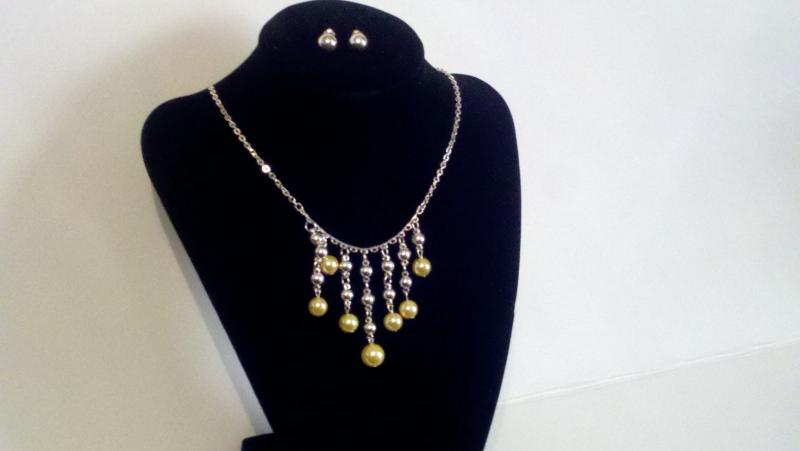 Yellow bead necklace and earrings