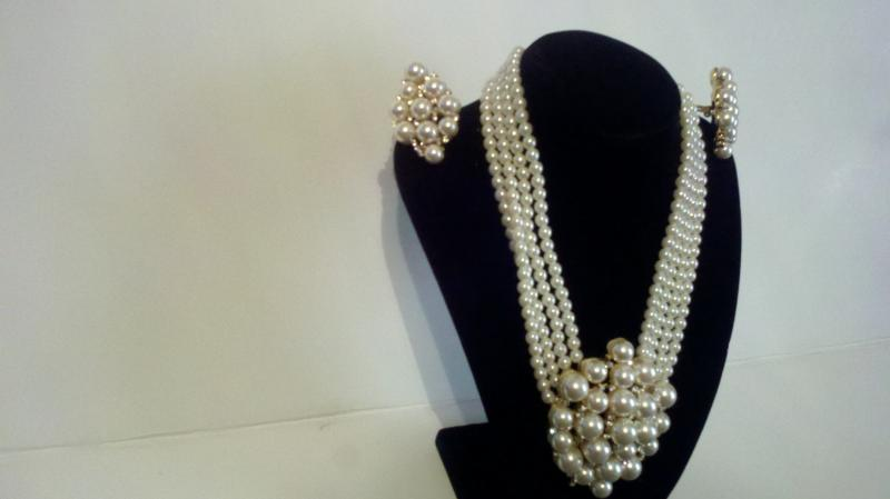 White pearl costume necklace with matching clip on earrings