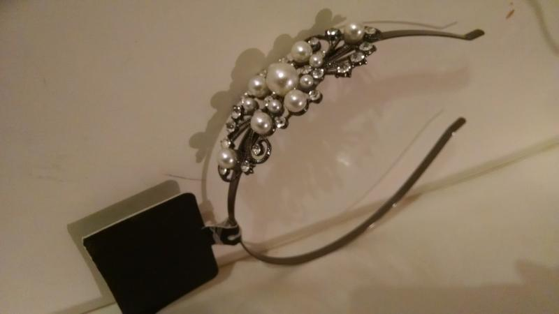 Silver tone beed hairband